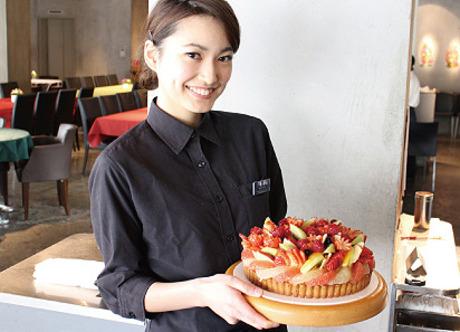<積極採用中>旬のフルーツを使ったケーキが絶品未経験でも人気のカフェで働ける!